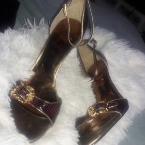 GUESS purple and gold heels